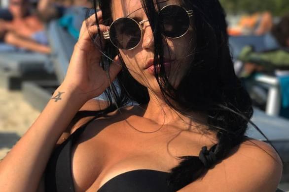 Καλοκαίρι στην Μύκονο για την Πατρινή καλλονή, Αμαλία Μαρκουίζου