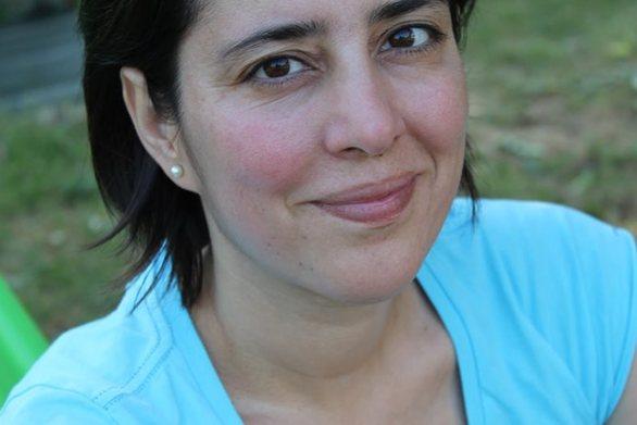Η δημοσιογράφος Μαρία Δεναξά καταγγέλλει ταβέρνα στη Σύρο