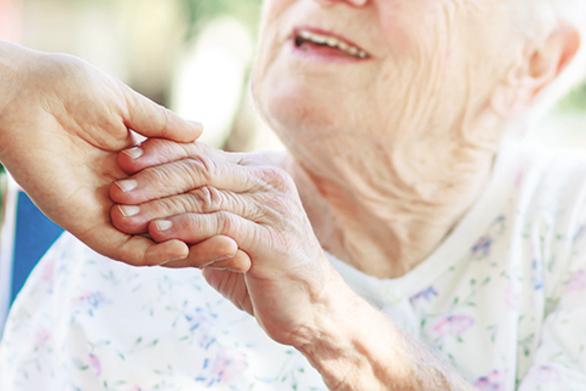 Πάτρα: Ξεκινά πρόγραμμα φροντίδας ατόμων που πάσχουν από άνοια