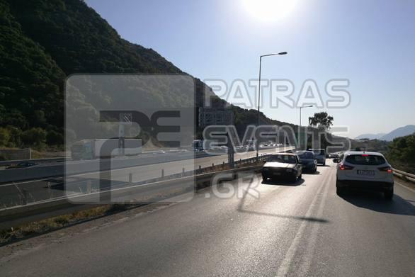 Φωτιά σε λεωφορείο στη σήραγγα της Παναγοπούλας - Μποτιλιάρισμα στην Πατρών Κορίνθου! (φωτο)
