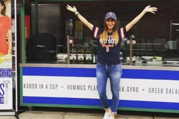 Η Μαρία Μενούνος ανοίγει καντίνα με ελληνικό φαγητό στη Νέα Υόρκη!