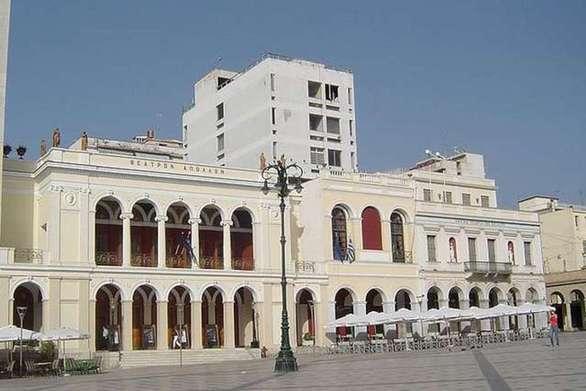 Πάτρα - Το ΠΑΜΕ καλεί σε πλατιά σύσκεψη όλα τα σωματεία του Ιδιωτικού και Δημοσίου τομέα
