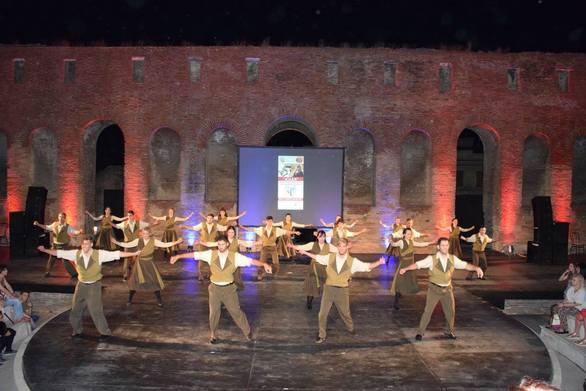 """Ο πιο... δυνατός χορός έχει τις """"ρίζες"""" του στην Πάτρα!"""