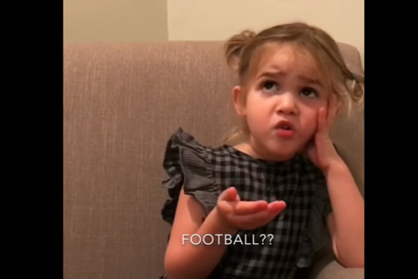 Η Mila είναι η σταρ του διαδικτύου και «ξαναχτυπά» με απολαυστικό ξέσπασμα (video)