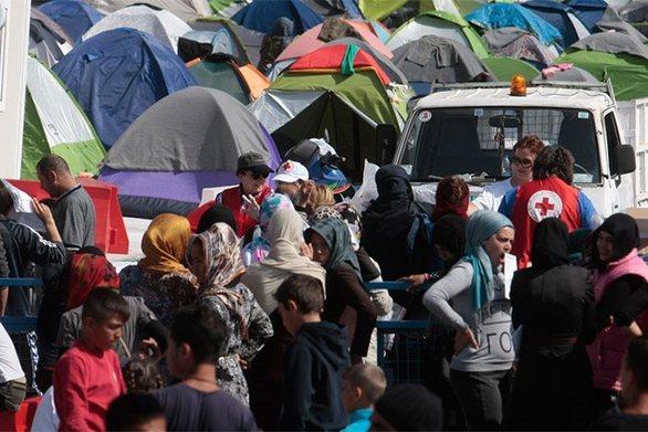 "Der Standard: ""Χάος στην Ελλάδα με το προσφυγικό"""