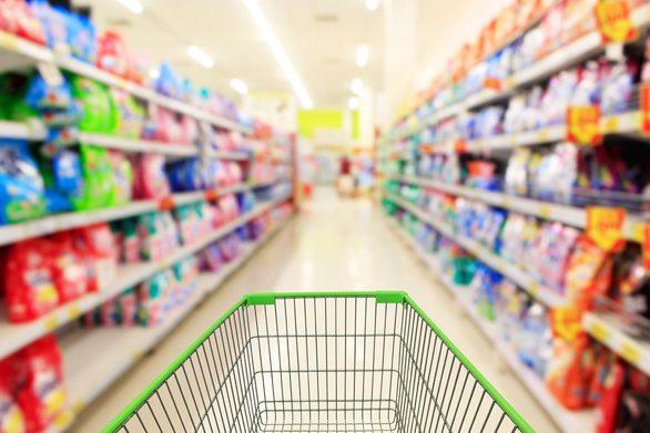 Πάτρα: Φιλόλογοι με μεταπτυχιακά καταλήγουν… υπάλληλοι σε σούπερ μάρκετ!