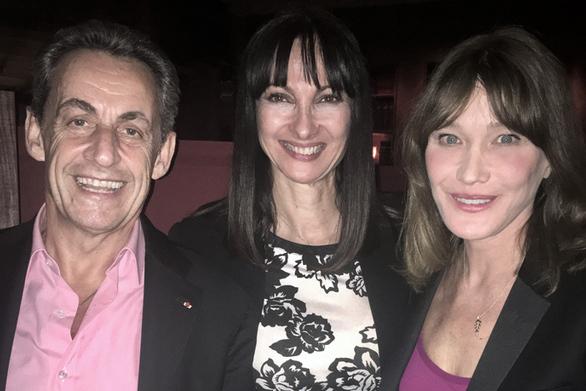 Η Έλενα Κουντουρά συνάντησε τον Σαρκοζί και την Κάρλα Μπρούνι!
