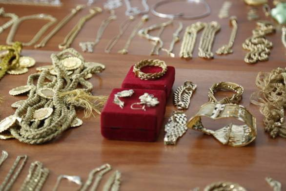 """Κοσμήματα αξίας 10.000 ευρώ έκαναν """"φτερά"""" από διαμέρισμα της Πάτρας"""