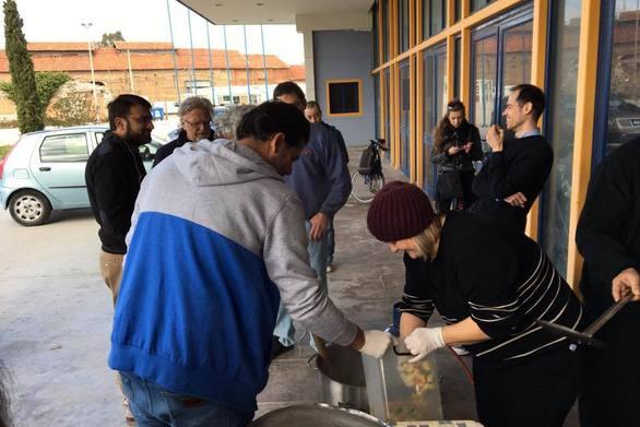 Παραμένουν στο πλευρό των μεταναστών οι εθελοντές και οι αλληλέγγυοι της Πάτρας