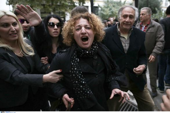 Ξυλοκόπησαν τον δολοφόνο της Δώρας Ζέμπερη (φωτο+video)