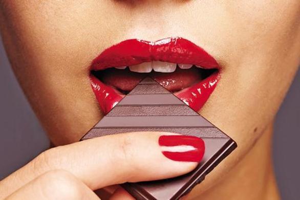 Κόκκινο κρασί, σοκολάτα και... πολλά φιλιά το «ελιξήριο της νεότητας»