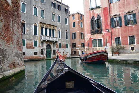 Βενετία: Τουρίστες έκλεψαν γόνδολα για να κάνουν βόλτα