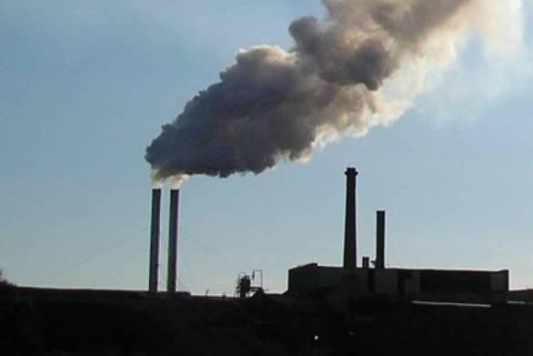 Δυτική Αχαΐα: Τα φουγάρα βγάζουν ήδη έντονους καπνούς και δυσοσμία