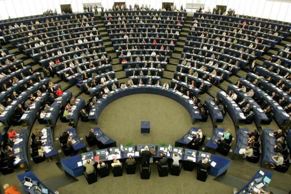 Αίθουσα Ευρωκοινοβουλίου παίρνει το όνομα του Κωνσταντίνου Μητσοτάκη