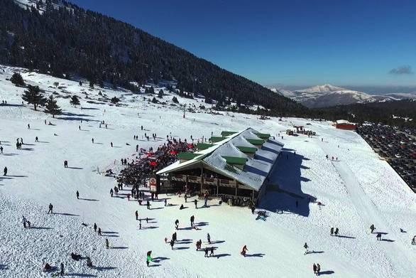 """""""Οι συνθήκες είναι ιδανικές για σκι"""" - Το Χιονοδρομικό Κέντρο Καλαβρύτων ανοίγει"""