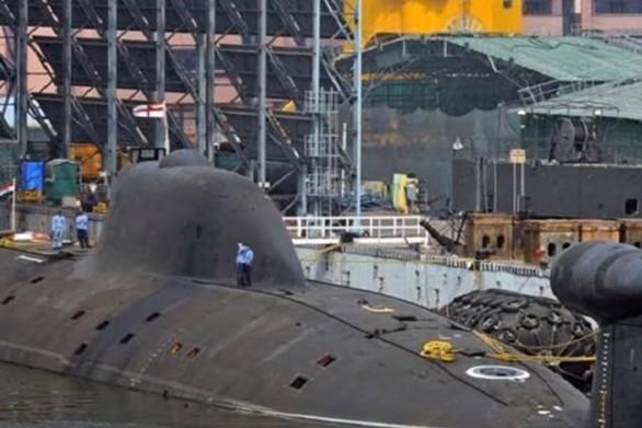 Ινδία - Καταδύθηκε το πρώτο πυρηνικό υποβρύχιο χωρίς να κλείσουν τις πόρτες (video)