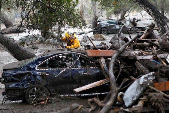 Καλιφόρνια - Λιγοστεύουν οι ελπίδες για τον εντοπισμό επιζώντων
