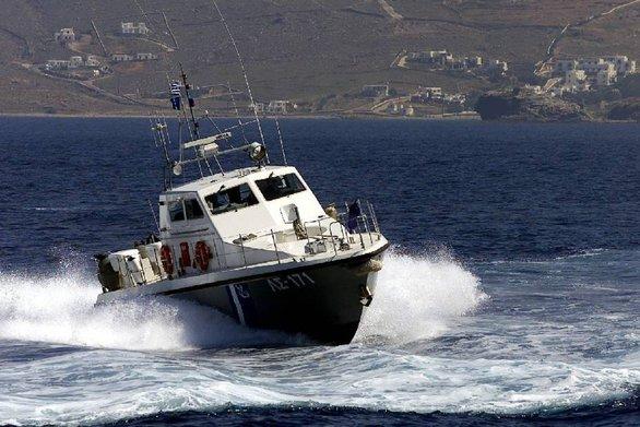 Βλάβη σε καταπέλτη πλοίου στη Μύρινα