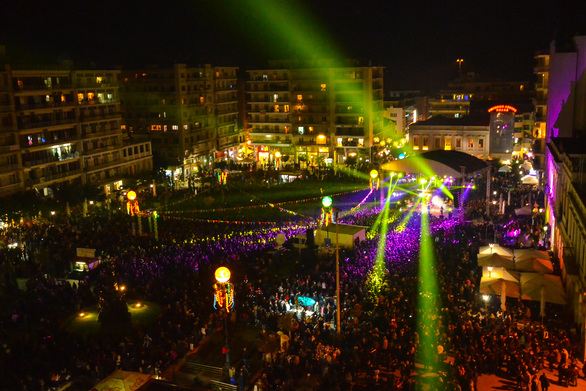 Πάτρα: Δεν περνάει η… λευκή νύχτα στην τελετή έναρξης του Καρναβαλιού!