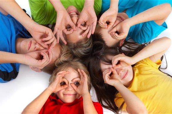 Η σημασία της αγκαλιάς στην ανάπτυξη των παιδιών