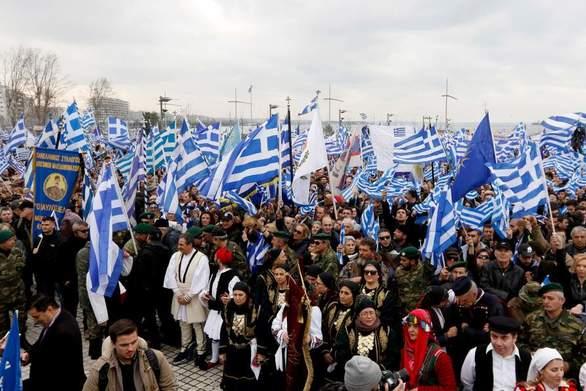 Πάτρα: Ενορίες ναυλώνουν πούλμαν για το συλλαλητήριο στην πλατεία Συντάγματος