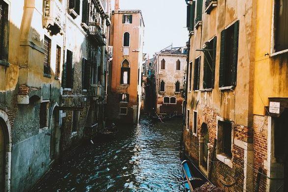 Χαμηλή η στάθμη του νερού στη Βενετία!
