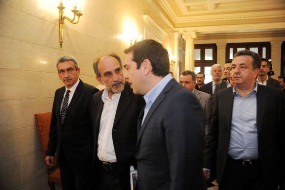Μια ωραία ατμόσφαιρα μεταξύ κυβέρνησης και περιφέρειας στο συνέδριο της Πάτρας