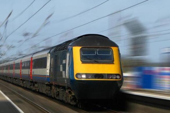 Πέντε εταιρίες κατέθεσαν προτάσεις για το έργο ηλεκτροκίνησης της σιδηροδρομικής γραμμής Κιάτο-Ροδοδάφνη