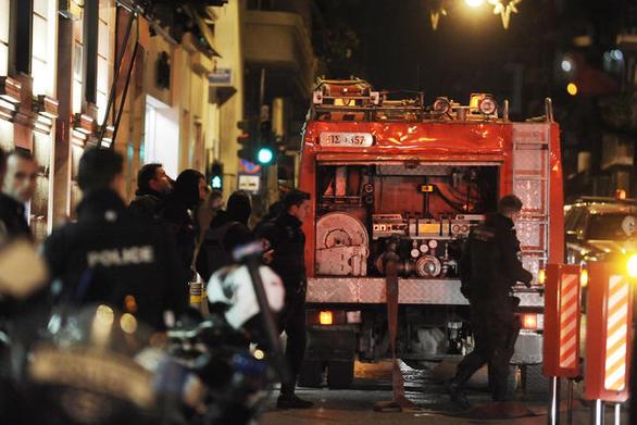 Πάτρα: Επίθεση με γκαζάκια στα γραφεία του πρώην βουλευτή Μιχάλη Αρβανίτη