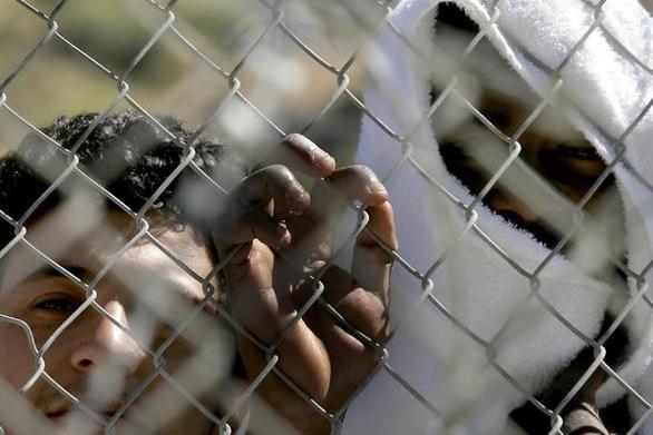 Διεθνής Αμνηστία: Σε κίνδυνο οι πρόσφυγες στη Σάμο