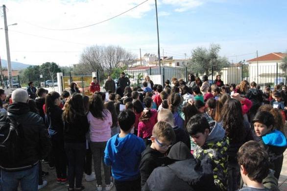 Στο 45ο Δημοτικό Σχολείο στο Μπεγουλάκι ο Απόλλων Πάτρας (pics)