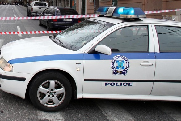 Σοκ στη Νίκαια - Ληστές μαχαίρωσαν 17χρονο μέσα στο σπίτι του