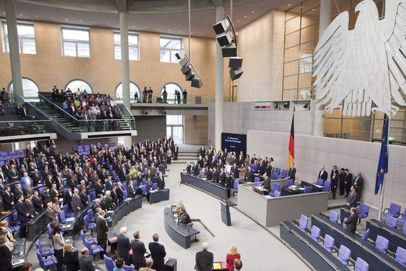 Πράσινο φως από την Γερμανική Βουλή για την εκταμίευση 6,7 δισ. ευρώ προς την Ελλάδα