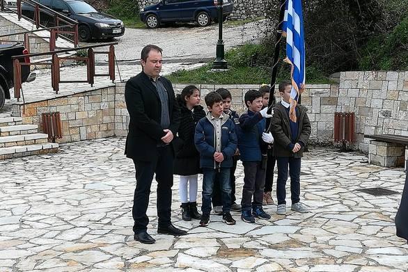 Αχαΐα - Οι μικροί μαθητές του Λεοντίου τίμησαν τους ήρωες του '21 (pics)