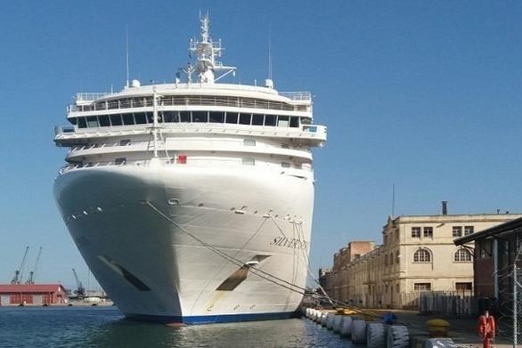 Το κρουαζιερόπλοιο «Serenissima» στο λιμάνι της Θεσσαλονίκης