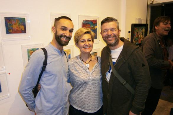 """Πάτρα - Με επιτυχία τα εγκαίνια της έκθεσης """"Εσωτερική πηγή"""" στη Γκαλερί Cube! (φωτο)"""
