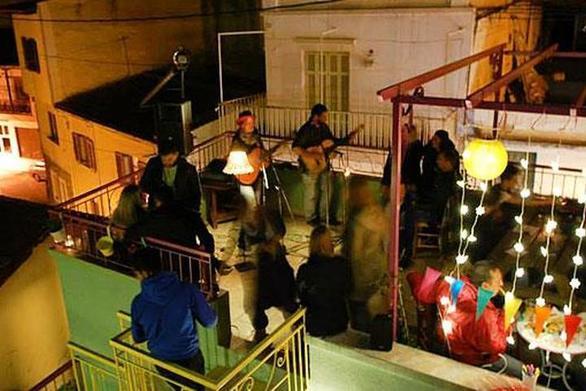 Το home πάρτι στην Πάτρα που κράτησε μέχρι τις... 8 το πρωί της Κυριακής!
