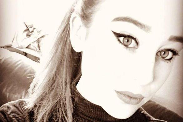 19χρονη βάφτηκε κλόουν και μαχαίρωσε τον εραστή της στην Βρετανία