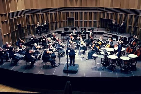 Η μαέστρος Φαίδρα Γιαννέλου διευθύνει συναυλία της Concordia Orchestra (φωτο)