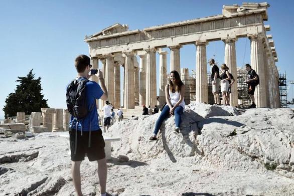 Από τον τουρισμό σχεδόν το 1/4 του ΑΕΠ της χώρας το 2017