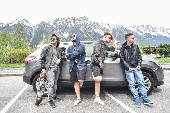 Τέσσερα νεαρά αγόρια από την Πάτρα, έκαναν το γύρο της Ιταλίας σε 12 ημέρες (video)