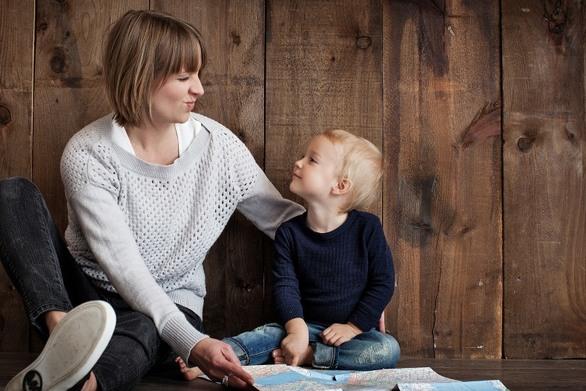 Πως να ενθαρρύνετε το μικρό σας να μιλήσει