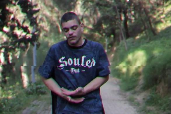 O Πατρινός NekNine μιλά για ραπ και μας συνεπαίρνει με το τραγούδι του - Δείτε το βίντεο