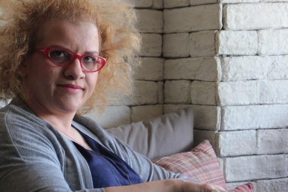 Τζένη Διαγούπη - Δουλεύει ως τσεκαδόρος σε εστιατόριο του Πειραιά (video)