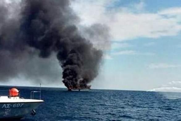 Πυρκαγιά σε ιστιοφόρο στη θαλάσσια περιοχή του Πόρτο Ράφτη