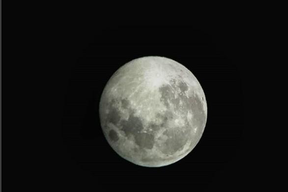 Ένα υπέροχο φεγγάρι, λίγο πριν το καλοκαίρι του 2018! (pics)