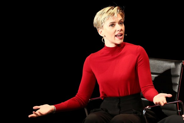 Scarlett Johansson: «Δεν μπορούν πια να κρυφτούν πουθενά»
