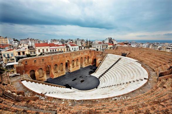 Πάτρα: Μια παράσταση-αφιέρωμα στο τεράστιο συνθετικό σύμπαν του Μίκη Θεοδωράκη!