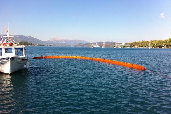 Πάτρα: Άσκηση του Λιμενικού σε υποτιθέμενη θαλάσσια ρύπανση