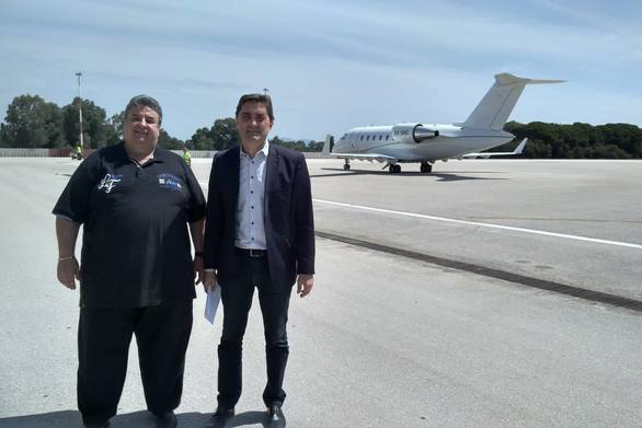 Στο αεροδρόμιο του Αράξου ο Κωνσταντίνος Καρπέτας για το πρόβλημα που ανέκυψε (φωτο)